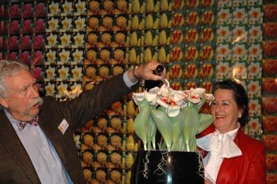 Grote eer voor bloembollenspecialist Willem van den Akker